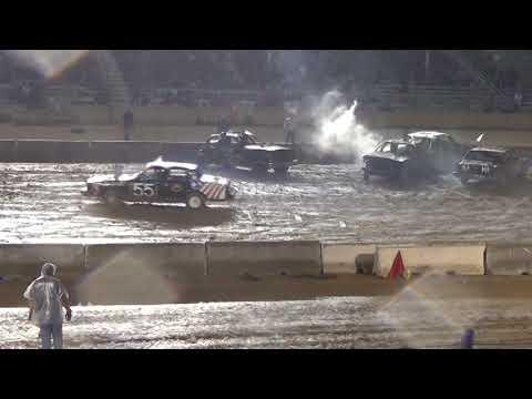 Monroe county fair 2018 Demolition Derby Modified  Heat 1 (9pm show)