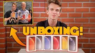 Unboxing iPhone XR [TUTTI I COLORI] - CON TIM COOK