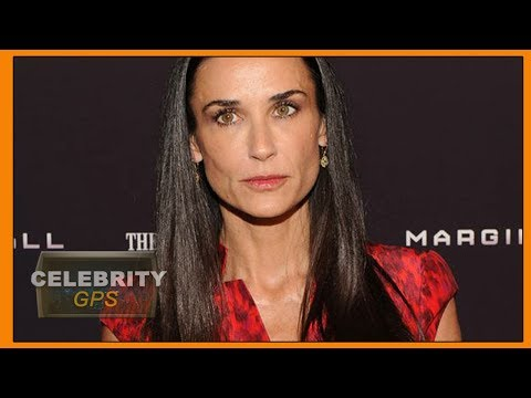 Demi Moore reveals she is missing her two front teeth - Hollywood TV