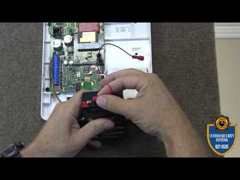 Custom Security Systems_How to Replace a CustomLink Battery