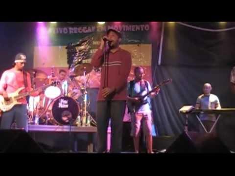Baixar Banda Conexão Jamaica no Projeto Dia D do Reggae na Praça Tereza Batista. ( Continuação).