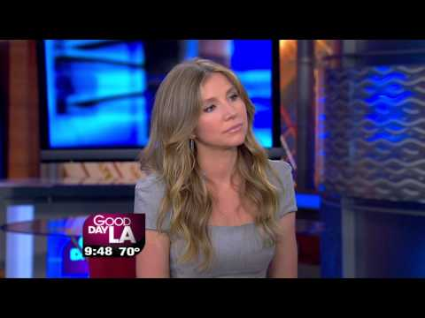 Sarah Chalke Interview 9-18-2012 - YouTube