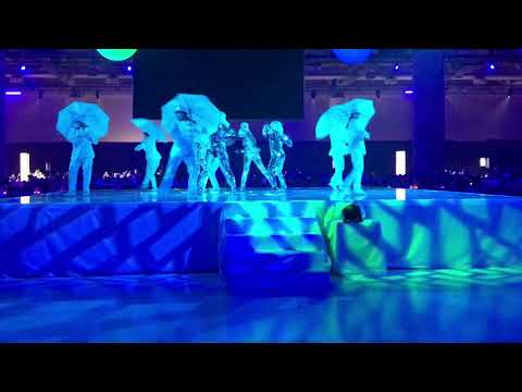 Live Entertainment Company - Creativiva Umbrella & Mirror