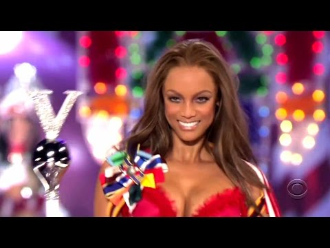 Tyra Banks Victoria's Secret Runway Walk Compilation 1997-2005 HD