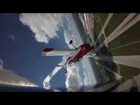 Redline air display team - AkzoNobel Aerospace