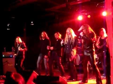 Northern Kings - Heinillä Härkien / We Don't Need Another Hero (live @ Teatria, Oulu 3.12.2011)