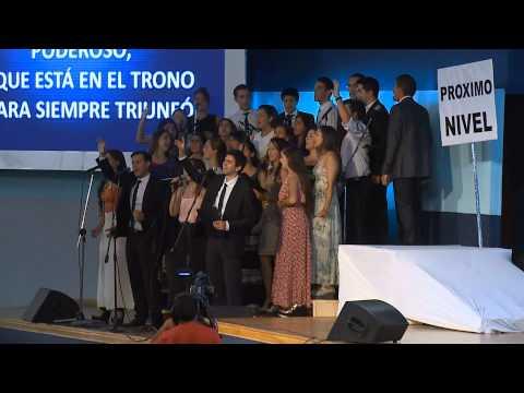 Alabanzas del coro durante el Congreso ministerial de la IEMA