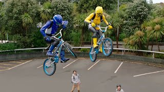 Power Ranger Beast Morphers | Persecución en X-Bikes - Rangers vs Roxy | Episodio 3