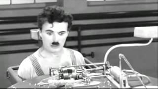 Čarlis Čaplinas maitinamas robotu [Filmą sumontavo Audrius]