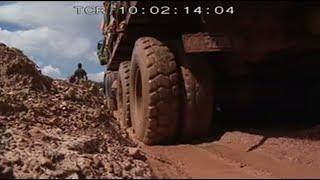 Deadliest Journeys - Congo's trucks