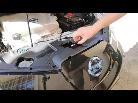 How to open a Nissan Leaf charging port manually by hand(without tools)
