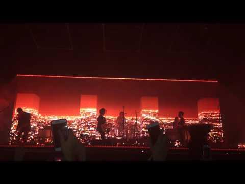 The 1975 // Medicine live, the O2 arena, London, 16.12.2016