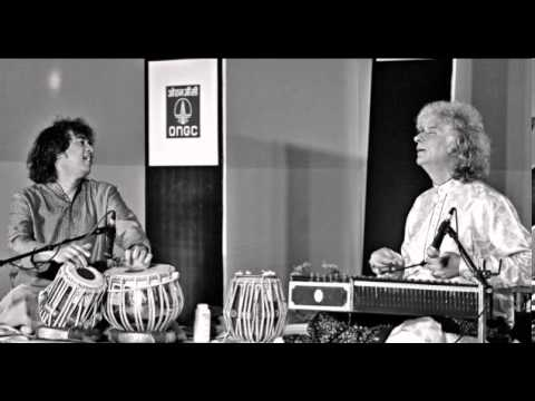 Shivkumar Sharma and Zakir Hussain (04/11/2013)