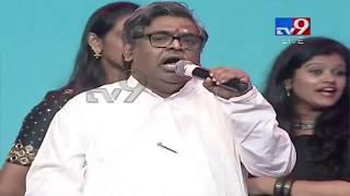 Sirivennela praises Jr NTR at Aravinda Sametha event..