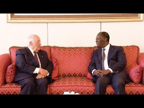 Entretien du Chef de l'Etat avec M  Robert Fabre, Président de la Compagnie Fruitière