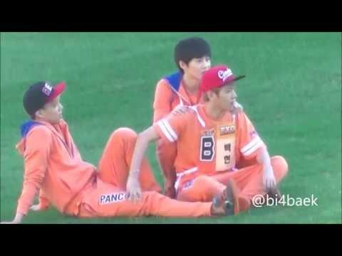 130903 EXO Luhan Baekhyun Kai Suho @ISAC ルハン ベク 膝枕