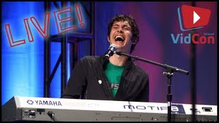 Repeat youtube video TOBUSCUS!!! SIDEBURNS SONG & DRAMATIC SONG LIVE PERFORMANCE - VidCon Adventures