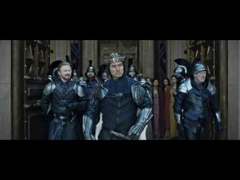 Rey Arturo: La leyenda de la espada - Trailer espa�ol (HD)