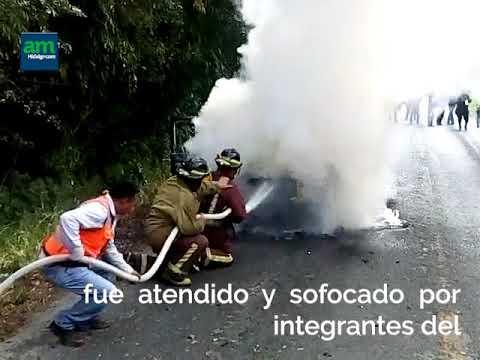 Se incendia camioneta en la vía Huejutla-Atlapexco