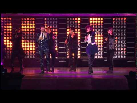 TVXQ! 동방신기 '왜 (Keep Your Head Down)' SMTOWN LIVE in NEW YORK