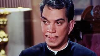 Cantinflas jugando a las cartas