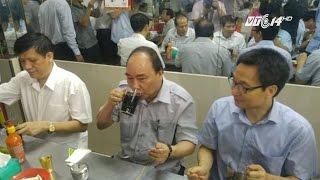(VTC14)_Thủ tướng ăn phở bình dân, uống café 8.000 đồng