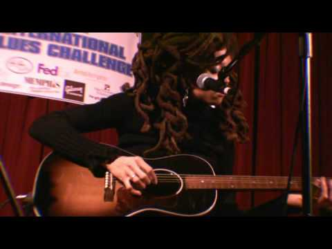 Valerie June at the 2011 International Blues Challenge