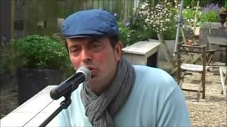 Bekijk video 2 van Jim the Piano Traveller op YouTube