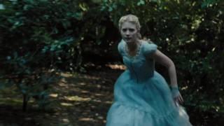 Alice aux pays des merveilles :  bande-annonce VOST