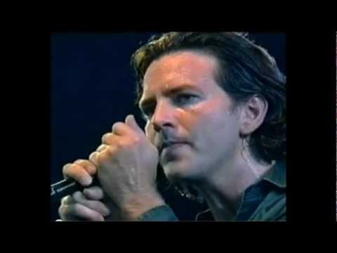 Can't Help Falling In Love - Pearl Jam (Elvis Presley Cover)