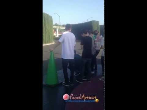 [Fancam] Baekyeol Moments Collection @ Disneyland LA (one minute version)