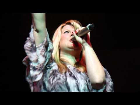 NATALIE GRANT LIVE 2011: LOVE REVOLUTION (Davenport, IA- 5/6)