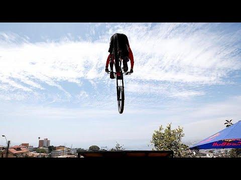 Турнир Red Bull: спуск по холмам Вальпараисо photo