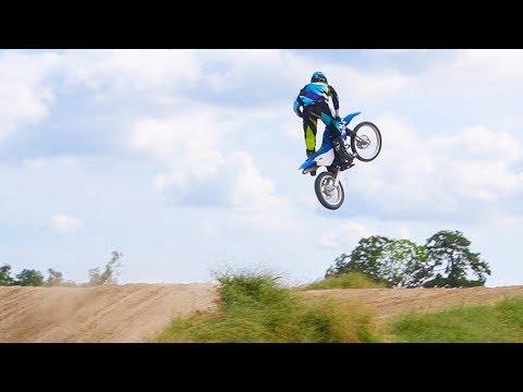 Yamaha TTR 125 Sending BIG Jumps