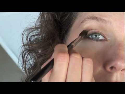 Easy Bronze Smokey Eye Tutorial