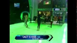 (2NE1) Dara - Kiss [Live] @MAMA 2009 - YouTube