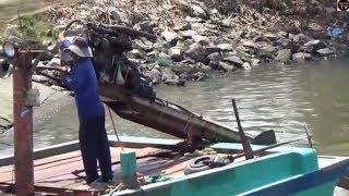 tài công  điều khiển vỏ lãi máy xe khủng nhất /Boat motor