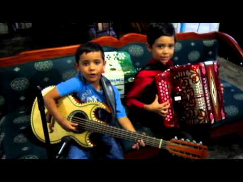 Chuyito Bañales y Manuelito Bañales TE VAS ANGEL MIO acordeon y bajosexto