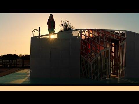 MINI LIVING   Urban Cabin in Los Angeles Film