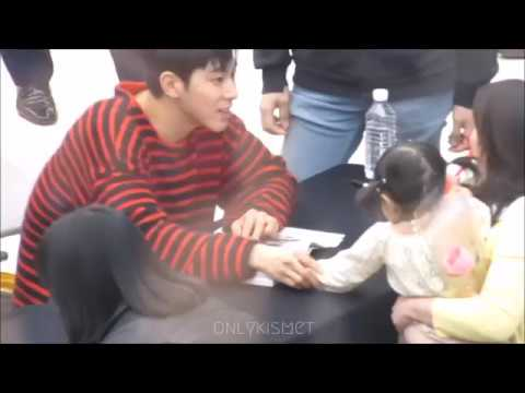 [FANCAM] Yunho interacting with fan's baby
