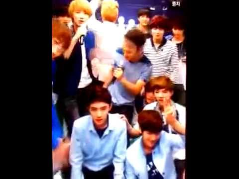 [MUST WATCH] EXO's crazy moment @ KTV SM ART Exhibition