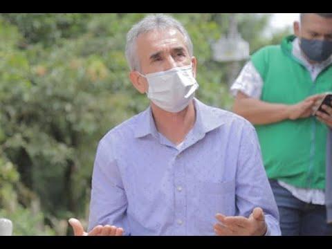 Por presuntas irregularidades en traslado de migrantes, suspenden a alcalde de Copacabana