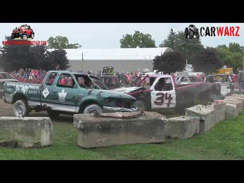 Heat 04 Of The Demolition Derby At Petrolia Fall Fair 2018