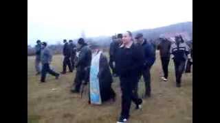 Marș pe dealurile de la #Pungești după ce #jandarmeria a #refuzat să permită accesul pe drumul #judetean