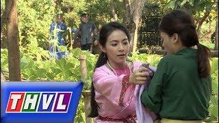 THVL | Chuyện xưa tích cũ – Tập 54[4]: Huê Em lén vứt bỏ tấm vải Huê chị vừa cho