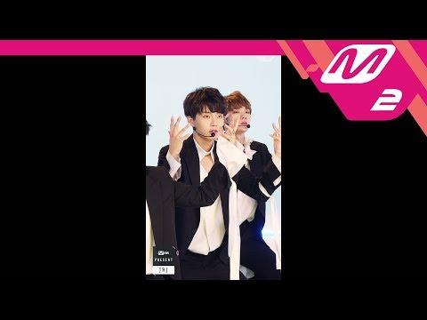[MPD직캠] JBJ 김용국 직캠 'Fantasy' (JBJ JIN LONGGUO FanCam) | @MNET PRESENT_2017.10.18