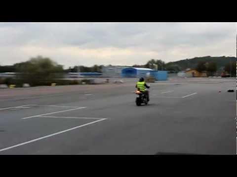 Baixar Motorcykelkörkort: Bromsning 70 km/h - Din Guide till MC körkort - Mc-Jakten.se
