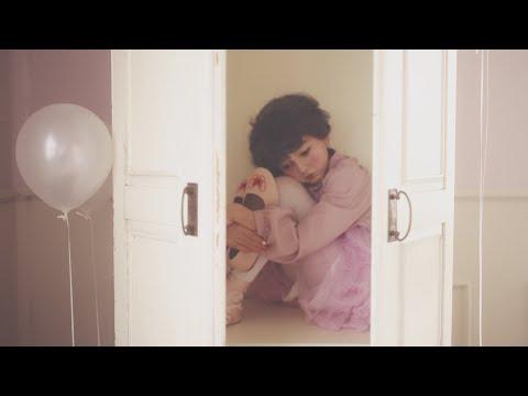 コレサワ「愛を着て」【Music Video】