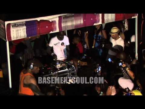 WMC2011 BlackCoffee Moving the Crowd