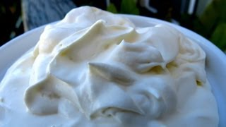 HOW TO MAKE SOUR CREAM